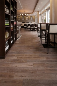 project floors in restaurant